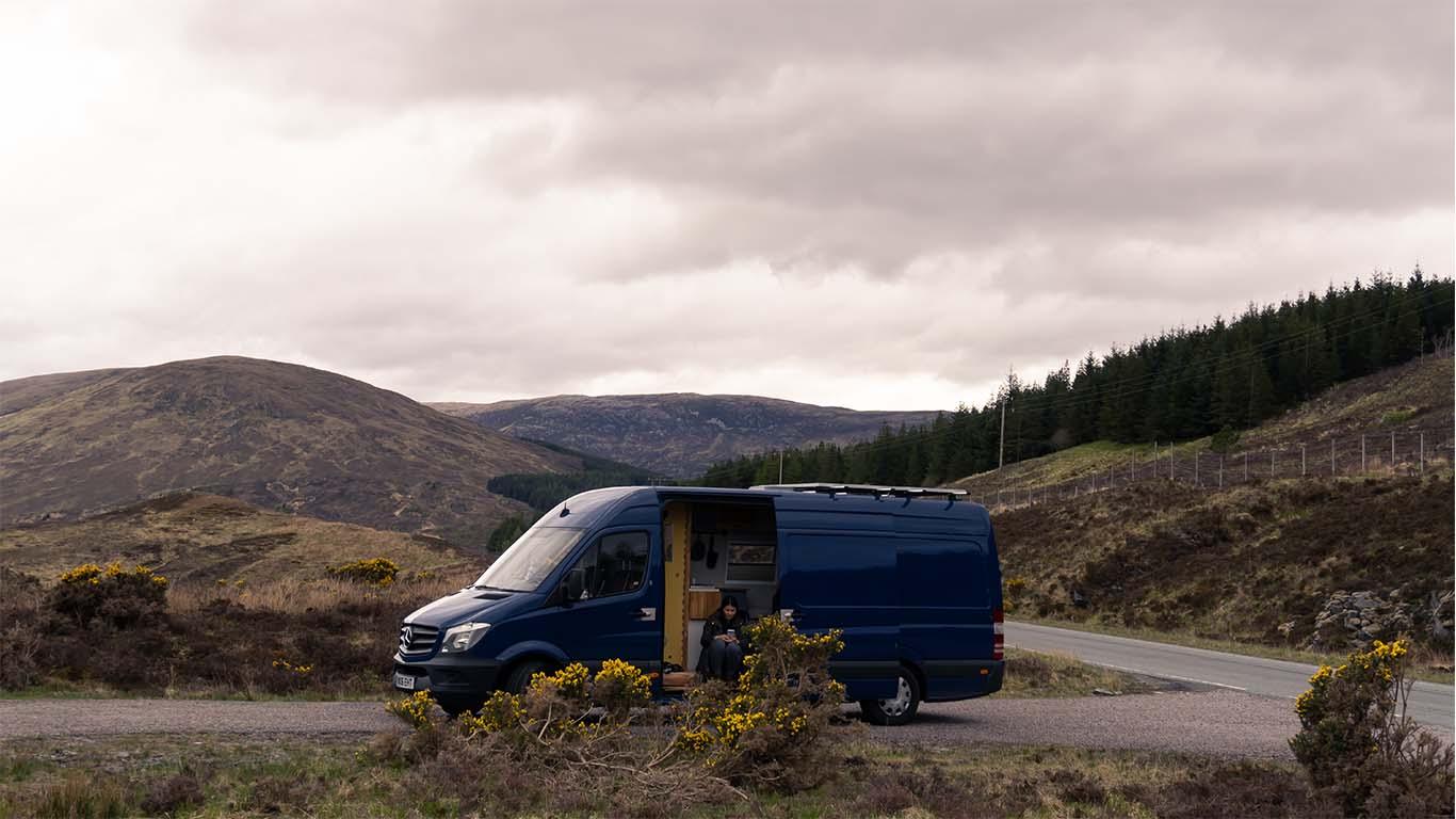 campervan spanie na dziko w Szkocji
